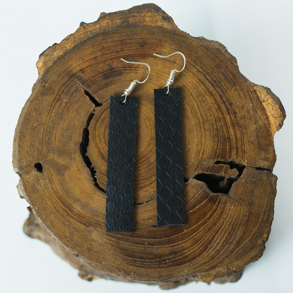 black raven bar earrings