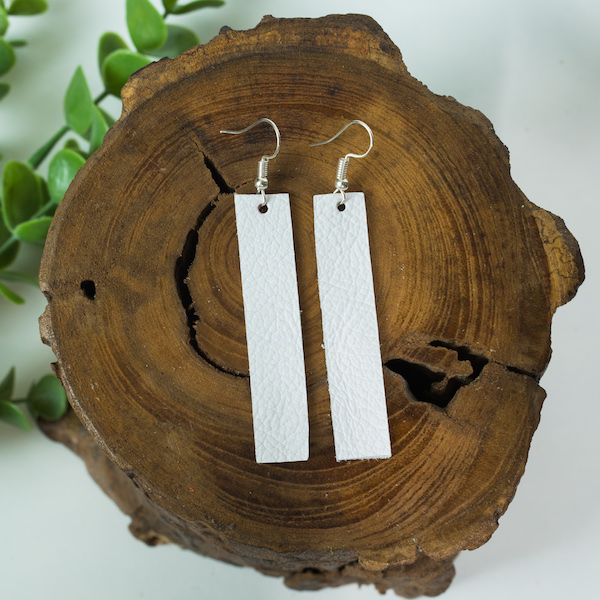 White bar leather earrings